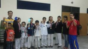 Tim Taekwondo Kab. Kuningan meraih juara umum 1 kategori pracadet